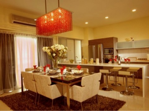 CONTEMPORARY SHOWROOM DINING